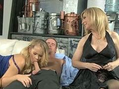 Skilled porn actress Nina Hartley shows blowjob master class to young blonde