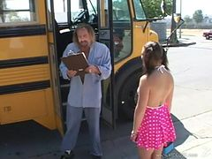school--bus--girls--scene4