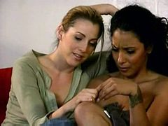 Dee & Holly Hollywood: Hot Lesbian Action