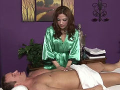 Skilled masseuse gives unforgettable sensual massage