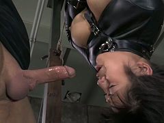 Juggy Asian slut Mia Li is suspended upside down and throated