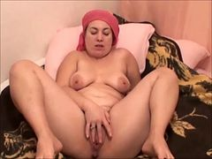 Fat meaty mature milf bbw shaven pussy and toes housewife