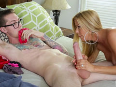 MATURE ALEXIS FAWX CAUGHT SNIFFING HER PANTIES
