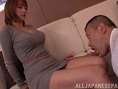 In a hotel this Japanese MILF stabs herself on his cock