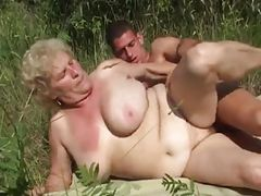GRANNY WITH BIG BOOBS FUCK OUTDOOR WTH A GRANNY LOVER