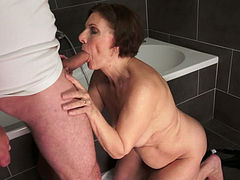 Cock loving granny wants to show how she blows a dick