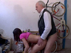 Old dude drills Anna's cunt from behind and cums on her mouth