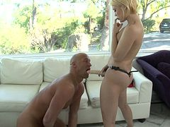 Classy blondie Ash Hollywood strapons Christian XXX after anal sex