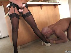 Hard man's hole got fucked by hot babe