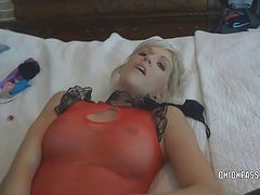 Blonde housewife Jolene getting fucked