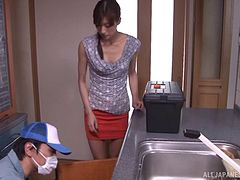 Plumber fucks the slutty Japanese housewife that needs to get off