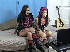 Alternative bisexual tattooed sluts have a threesome on webcam
