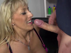 German housewife fucking and sucking