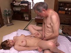 Sensuous Asian amateur sucks off her much older boyfriend and gets slammed hardcore