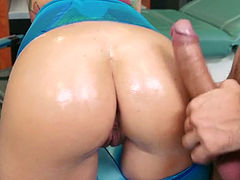 Hot slut lets a guy oil her ass before she gives him a blowjob