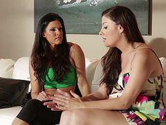 Seductive lezzies India Summer and Sovereign Syre in naughty lesbian action