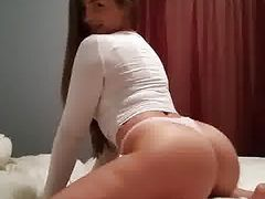 pawg slut shaking ass