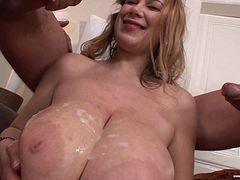 Bimbo with enormous tits is getting the double dicking that she wanted