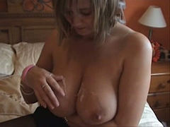 My big boobed girlfriend knows how to give a fantastic blowjob