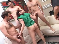 Aliana Cox Gets a Huge Facial From a Gangbang