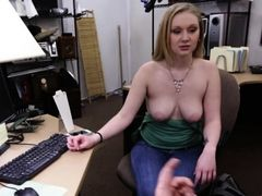 Amateur chick banged by fluent fucker