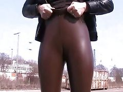 latex cameltoe
