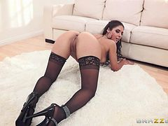 Scrumptious Jynx Maze Gets Fucked By Johnny Sins In A Living Room