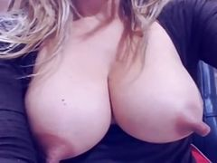 Big Nipples in webcam