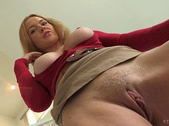 Insatiable minx Krissy enjoys spreading her orgasmic pink slit