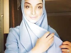 russian hijab chick