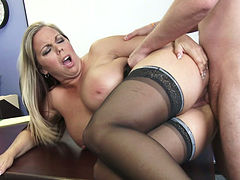 Provocative mommy Amber Lynn Bach gets her muff hammered in the office
