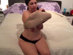 Chubby mature mom Fatma Premium masturbating