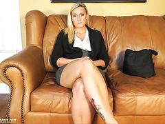 Pretty amateur does it all on the casting couch