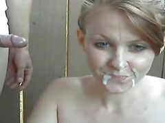 young woman fucks a old man on webcam