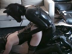 Pony Play - Latex Fucks Mistress In Hunter Ruber Welli