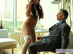 A lunch meeting ends with an erotic hookup in a hotel