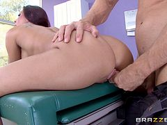 Bald doctor seduces a slutty patient and cums on her face