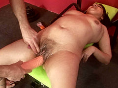 Brunette mature bushbitch drills her hairy pussy with sex toys before dildo fuck