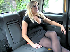 Creampie surprise pays taxi fare