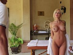 Divine MILF with silicone boobs Nina Elle gets her shaved yoni nailed