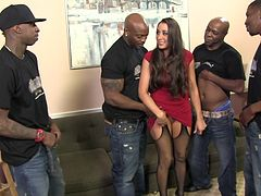 Steamy Kaylynn Gets Gangbanged By A Bunch Of Black Guys